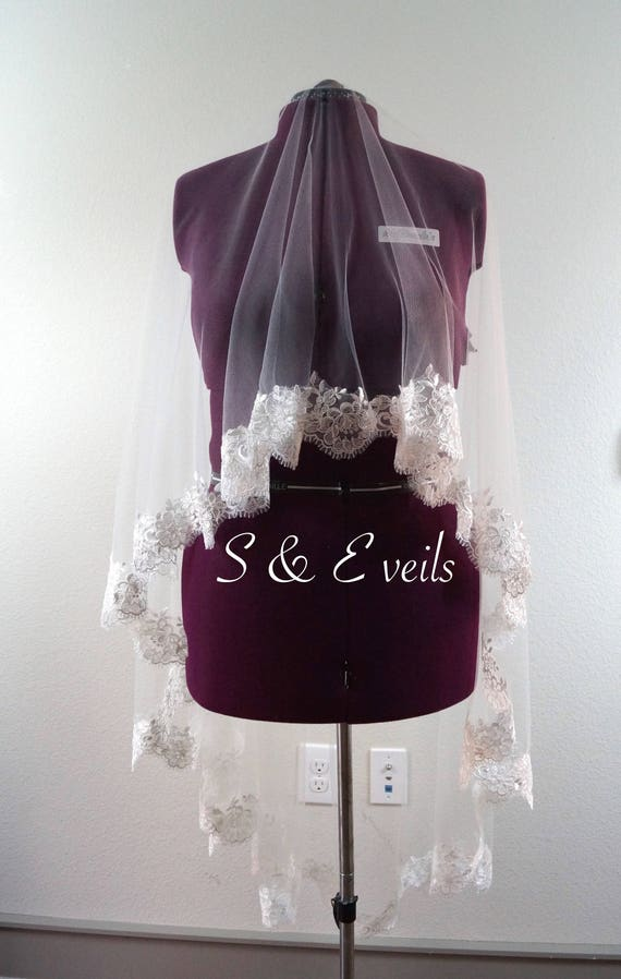 LACE DROP Veil //embellishments for any veil, chapel, hip,ivory and white colors, embroidery for veils, edge with lace
