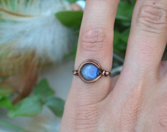 Blue Labradorite Moon Wire Wrapped Ring. Moon and Stars Ring. Gypsy Gemstone Ring. Boho Crystal Jewelry. Healing Crystal Ring.Antique Copper