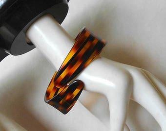 CIJ SALE Vintage Lucite Cuff Bangle Bracelet Tortoise Shell color