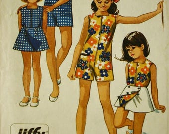 Simplicity 8769 Sewing Pattern, Girls Pantdress, Reversible Front Wrap Skirt,  Size 8 Breast 27,  1970s