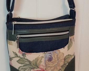 Multi pocketed cross body shoulder bag purse
