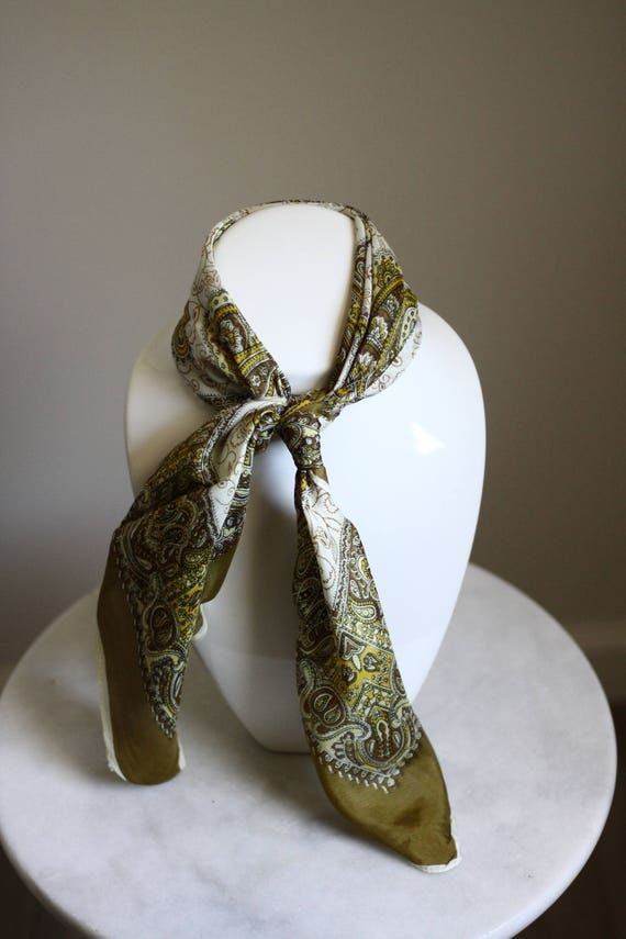 1960s olive green scarf // green paisley scarf // vintage neck scarf