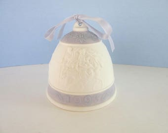 LLADRO Christmas Bell 1993- matte finish - lavender band and bow - Joseph & family traveling-hand made in Spain - collectibles  -  No box