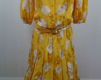 Vintage 1980s Silk Yellow & White Floral Dress Size 10 Pleated Full Skirt Korea