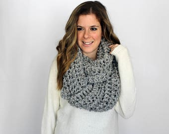 Knitted Scarf Chunky Grey Marble- Baltimore Cowl