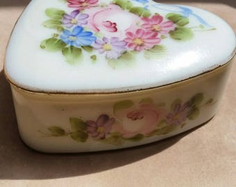 Charleton Heart Shaped Milk Glass Trinket or Dresser Box, Hand Painted, Roses, and Blue Bows..