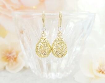 Gold Crystal Earrings Dangle ~ Clear Teardrop Earrings ~ Gold Drop Earrings Bridal ~ Cage Earrings ~ Filigree Earrings Gold Tear Drop E2481