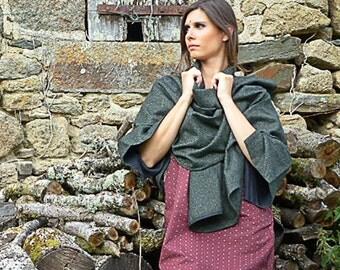 poncho/ cape in pure wool, herringbone pattern, olive/black or emerald/black