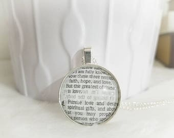 Faith, hope, and love Bezel Necklace/Pendant necklace/Gift for Her/Gift for mom/Gift for Wife/Christian Jewelry/Vintage Jewelry/Custom