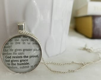 God gives grace to the humble Bezel necklace/Pendant/Gift for Her/Gift for mom/Gift for Wife/Christian Jewelry/Vintage Jewelry/Custom