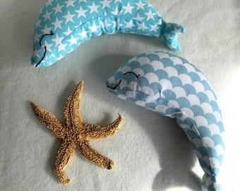 deux dauphins doudou, déco mer, 18 x 10 cm environ