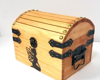 Small Fairy Muse Box / Keepsake box / Personalized Pyrography Box / Wood Burned