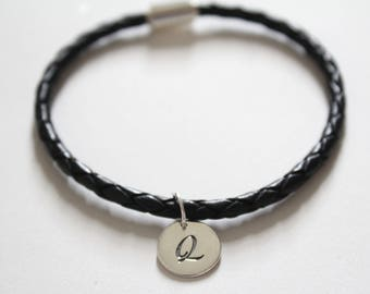 Leather Bracelet with Sterling Silver Cursive Q Letter Charm, Bracelet with Silver Letter Q Pendant, Initial Q Charm Bracelet, Q Bracelet