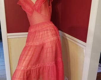 FREE  SHIPPING   1950 Lingerie  Peignoir Nightgown