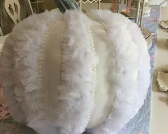 Shabby White Tulle & Pearl Half Foamkin Pumpkin