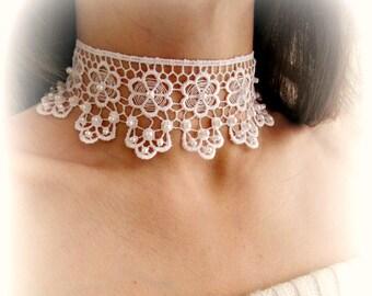 White lace choker, lace flower necklace, embroidered floral lace choker necklace, wedding jewelry, bridesmaid choker, lace choker necklace