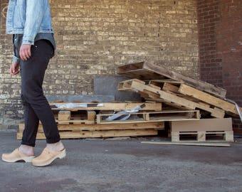 Handmade Clogs for Men / Mules / Black Leather Clogs / Swedish Clogs / Wooden Clogs / Mens Clogs / Black Shoes for Men / Sandgrens / Malmö