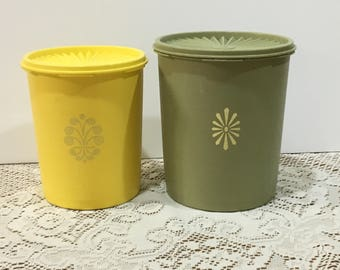 Tupperware Green and Yellow Starburst Canisters ~ Set of 2 ~ Nesting Canisters ~ Servalier Lids  ~ Retro Kitchen ~ 1970s  ~ Country Kitchen