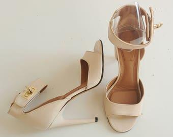 Givenchy sharklock Blush Pink leather sandals