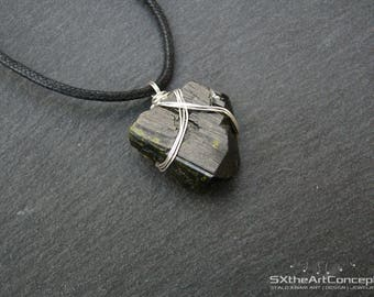 Epidote pendant, unisex amulet necklace, Pistacite stone, Metaphysical jewellery, raw energy healing crystal, yoga gift for him, men jewelry