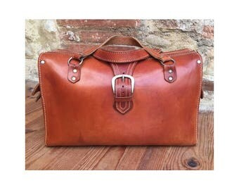 BEAUTIFUL 1940s leather LARGE  top handle Bag // natural tan leather week end bag // 1940s leather bag