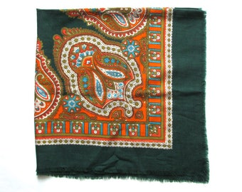 "Vintage wool shawl, 32"" x 33"", Floral head scarf, Ukrainian folk art, Floral pattern, Dark green, USSR, Soviet Union, 1980s"