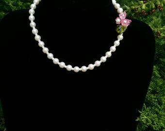 Bridal Necklace with Swarovski Pearls and Pink Flowers