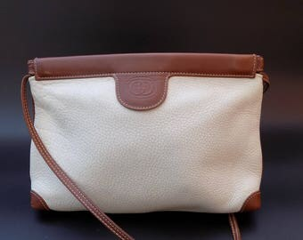 Sale! GUCCI Vintage Cream and  Brown Leather Shoulder Bag. Italian designer purse.