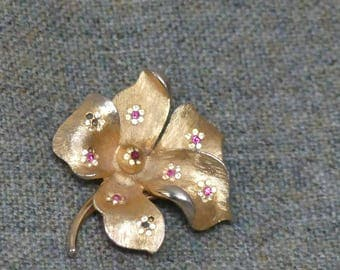 Gold Flower Floral Vintage Costume Brooch with tiny diamante flowers