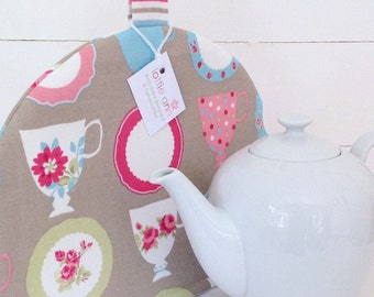 Tea Cosy, Tea Cups Tea Cosy, Tea Cosy, Teacups and Saucers, Kitchen Accessory, Tea Time!, Shabby Chic Tea Cosy, Vintage Tea Cups and Saucers
