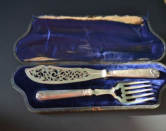 Martin Hall & and Co Sheffield England Silver Fish Carving Set Boxed 1886 1887