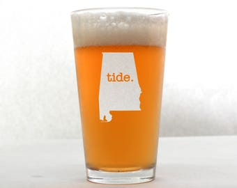 Roll Tide Beer Glass. Alabama Roll Tide. Pint Glass. Beer Gifts. Mancave
