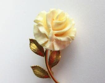 Karen Lynne Solid 14K Gold - Carved Faux Ivory Rose -  Vintage Brooch - 1950's Floral Pin