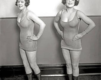 Chorus Girls, 1920. Vintage Photo Reproduction Print. 8x10 Black & White Photograph. Theater, Vaudeville, Musicals, Showgirls, Dancers.