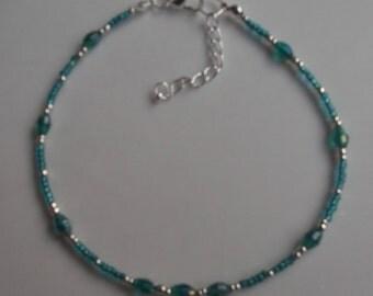 Green glass beaded anklet, ankle bracelet, beaded anklet, beach anklet, seed bead anklet, boho anklet, boho jewellery, green anklet
