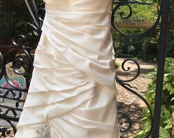 HUGE SALE 10/ Satin Wedding Dress / Pleated Bodice Dress  / Rhinestone Appliques Skirt / Wedding Gown / Ivory / 10 / covered Buttons / Gorge