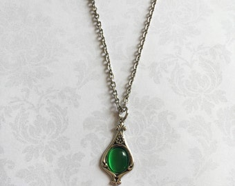 Green Pendant Necklace, Green Necklace, Green Pendant, Green Jewelry, Art Nouveau Necklace, Art Nouveau Pendant, Art Nouveau Jewelry