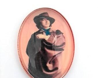 Oscar Wilde hand embroidered brooch