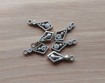 6 x Vintage Drop Pendant Charms