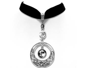 necklace choker velvet celtic moon knot silver goddess wicca pagan occult gothic esoteric magic witch witchcraft witchy boho