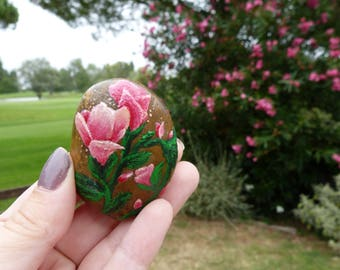 The garden stone hand painted flower