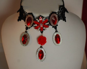 GOTHIC STYLE NECKLACE