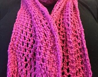 Open weave Fuschia scarf