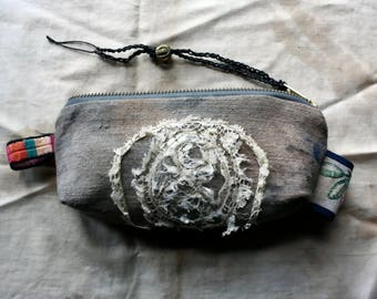 Sel Gris, a Little Pouch in Antique Linen and Lace