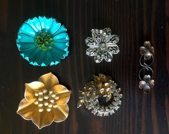 Vintage Lot of 5 Brooches, 60's Large Metal Flower Brooches, Rhinestone Brooches, Vintage Copper Dogwood Brooch/Pin, Vintage Brooches