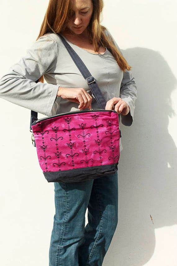 Art Deco Tulip Beatnik Bag in Hot Pink and Charcoal, Cross Body Handbag, Screen Printed Handmade Purse, Waxed Canvas Bag