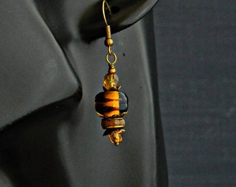 Amber Brown Lampwork Earrings, Honey Glass bead earrings, Boho earrings, Dainty brown glass bead earrings, Rustic earrings,