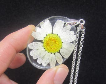 daisy necklace, sterling silver jewelry, resin necklace, silver necklace, flower necklace, white daisy necklace, sterling silver necklace