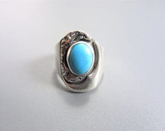 Bold Vintage Mexican Artist Signed Sterling Turquoise Ring Size 8