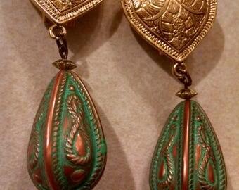 Stunning Vintage Heart Clip On Earrings, Dangle Clip Earrings, Gold Heart Dangle Earrings,Unique Earrings, Accessories, Vintage Earrings,Her